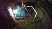 насосная станция абиссинской скважины в подвале дома