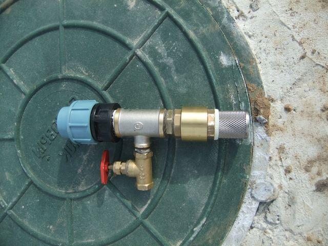 Водоснабжение из колодца, колодезный фильтр с обратным клапаном